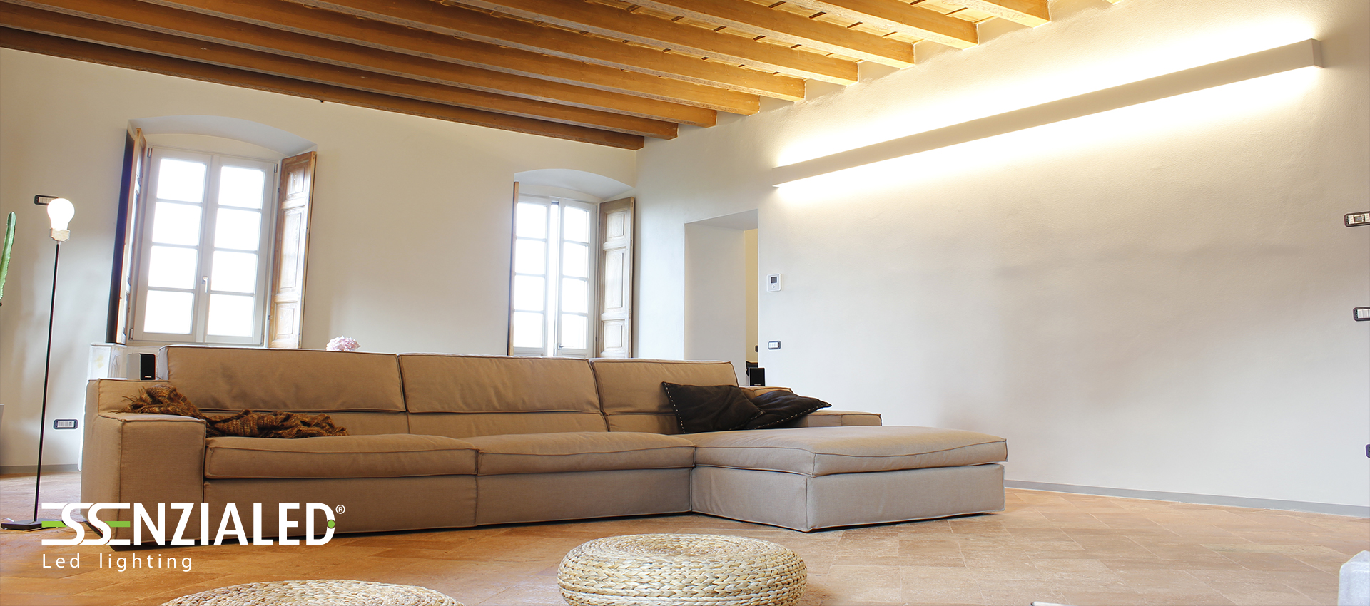 Righello Essenzialed - Il design essenziale Applique da pareteEssenzialed – Illuminazione a led
