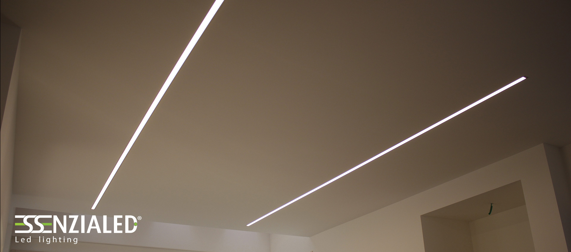 Inside recessed linear led profile essential light and for Luci led lineari